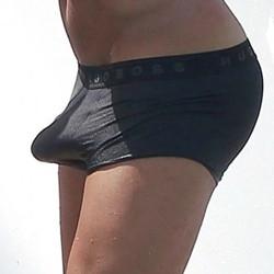 erezione dai pantaloni